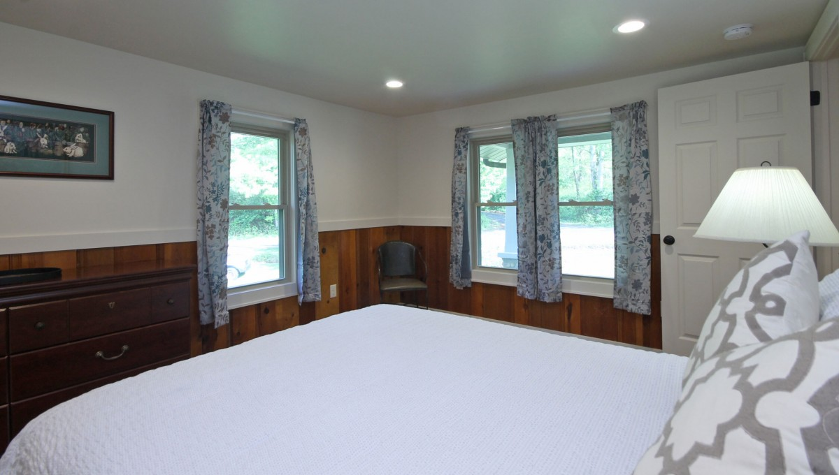 Here you can see the windows that provide lots of sunshine in the master bedroom.
