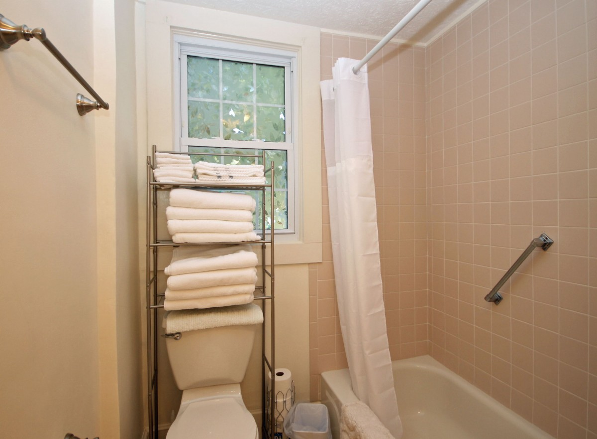 We love the tiled shower in the main bath.