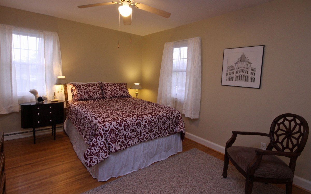 The third bedroom also features a comfy queen size bed and is very cozy and relaxing.