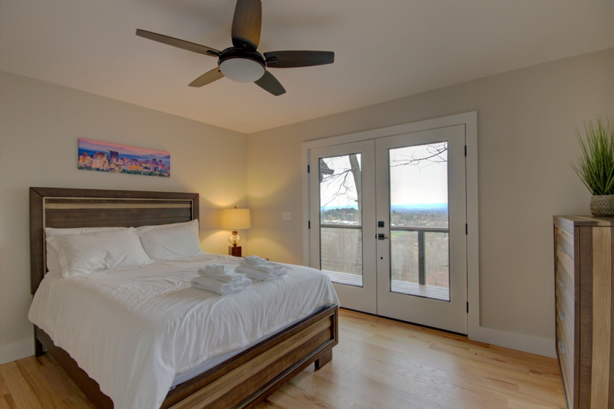 Upstairs second bedroom with its own balcony and views